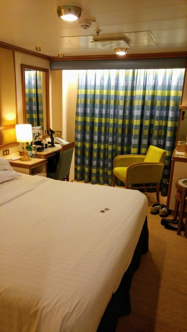 azura-bed-night