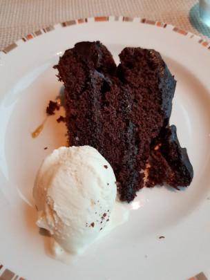 azura-choc cake